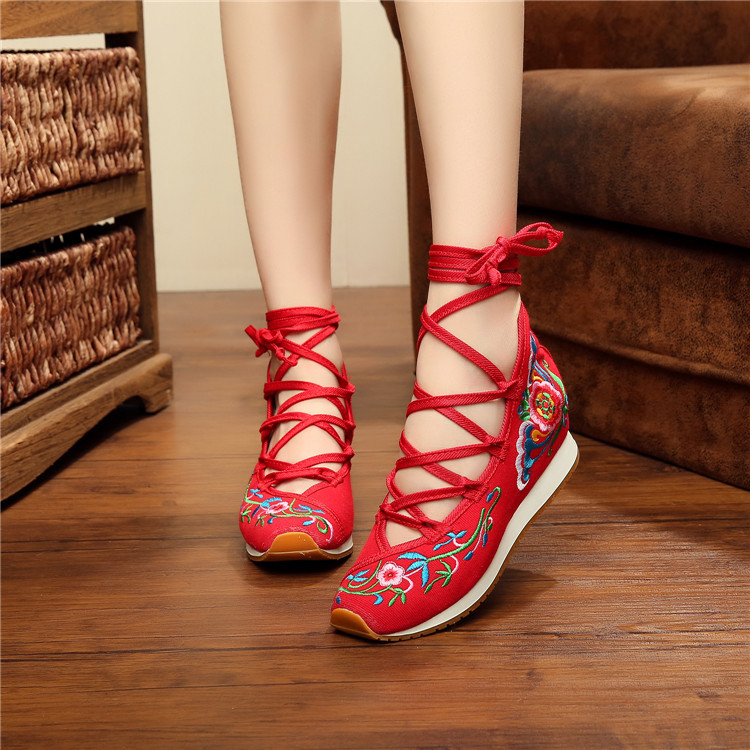 Chinese style New Embroidery shoes Tourism embroidered Floral girl single soft walking sport dance casual shoes size 35-40(China (Mainland))