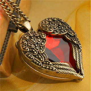 x306 Palace retro red imitation jewelry peach heart long necklace Heart sweater chain