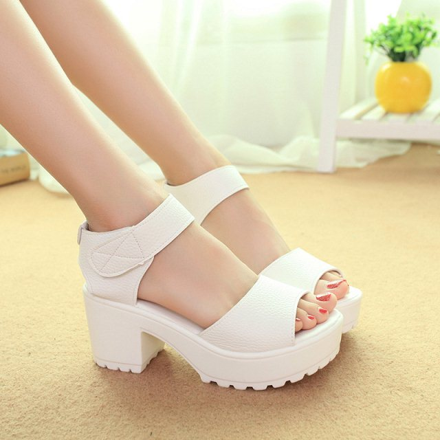 New summer Sandals hollow muffin bottom high-Heeled Sandals with Velcro students coarse fish mouth sandals tide B030