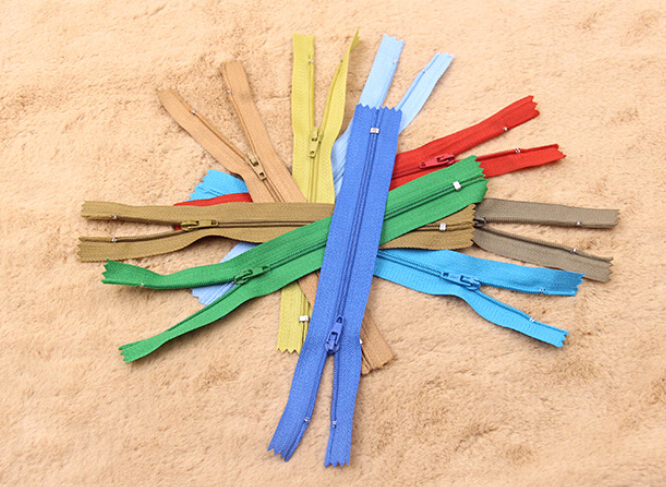 24pcs Random Color Assorted Dress Upholstery Craft Nylon Metal Closed Ended Zips Repair 3# 7inch(China (Mainland))
