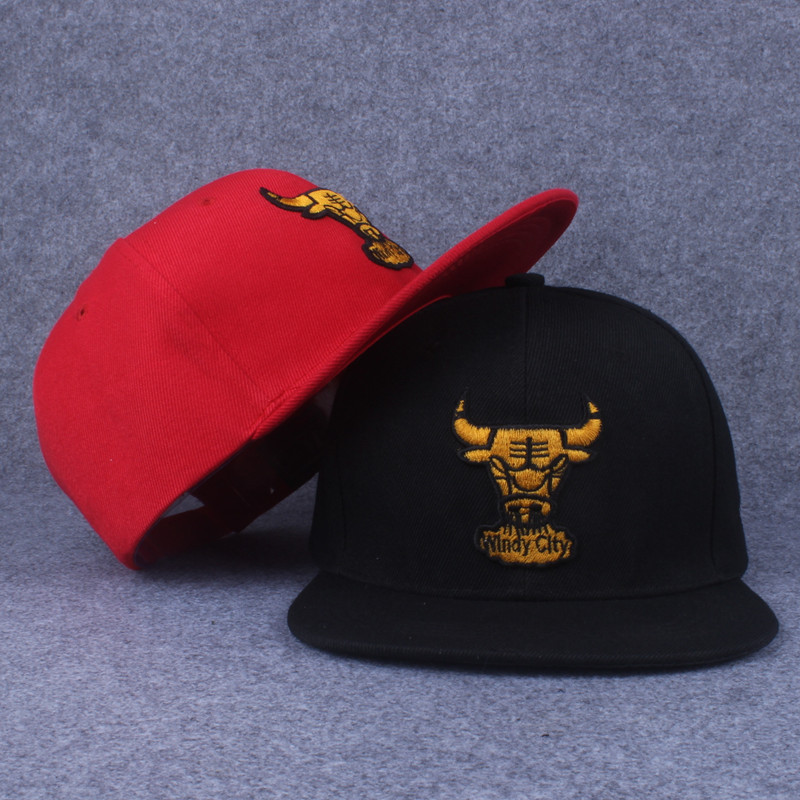 2016 New Summer Black Red Bulls Baseball Cap Flat Canvas and The Wind Along The Eaves The Men's Hat Fall Hip-hop Cap(China (Mainland))