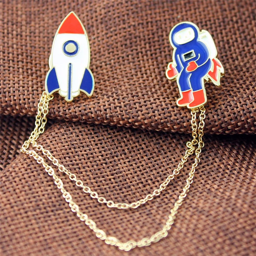 Fashion Vintage Designer Enamel 3 style Spaceman Planet Charm Costume Brooch Pins Jewelry Accessories for  girl brooch badge