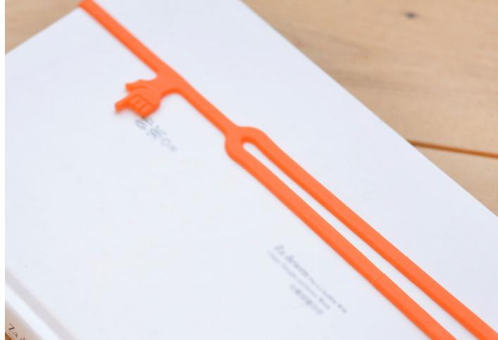 1piece Elasticity Environmentally Silicone Fingers Bookmarks(China (Mainland))