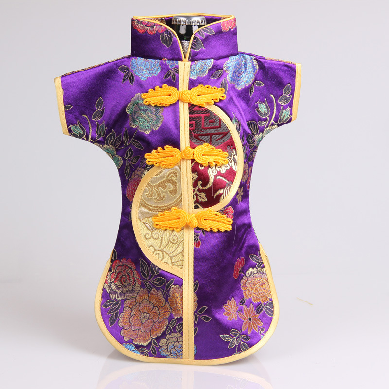 1 pcs China wind gift bottle sets of men and women dress silk Tangzhuang Qipao wine bottle cover set(China (Mainland))