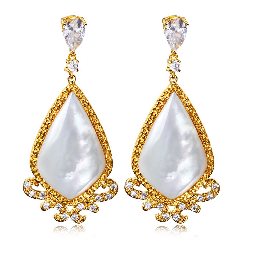 Signs & Symptoms of Earring Allergies With 14 Karat Gold ...