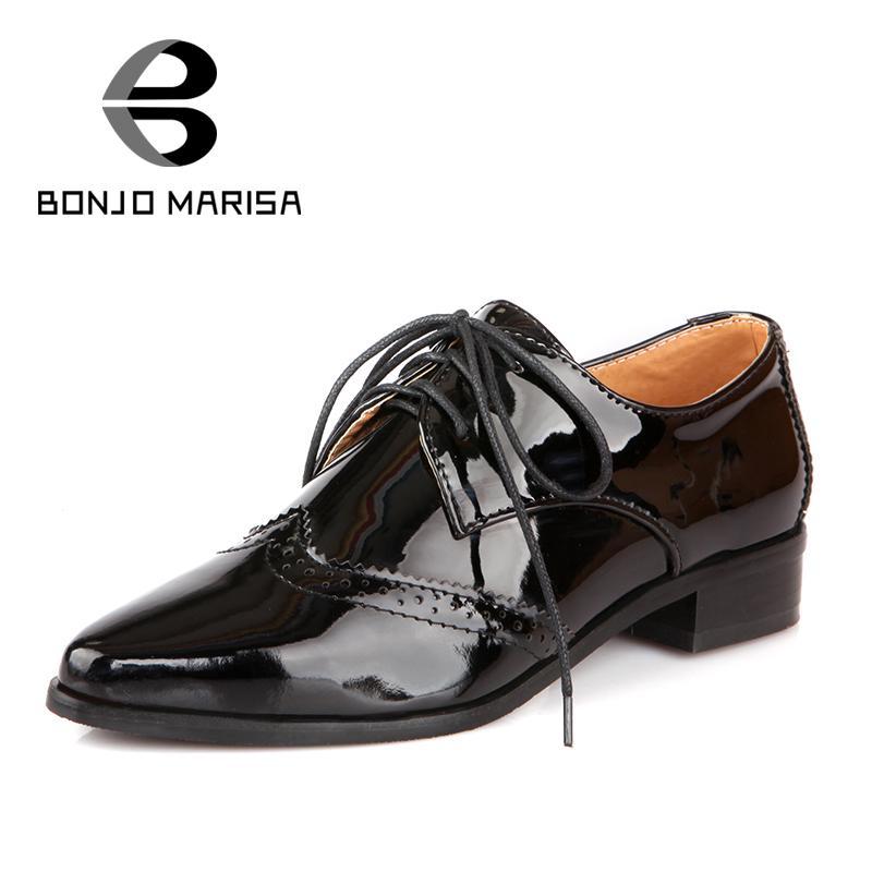 Лакированные женские ботинки на шнурках