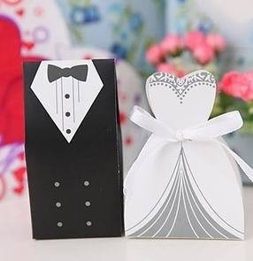 holesale New Arrival Wedding Favor Box Bride and Groom Gift Box Candy Box with Ribbon(China (Mainland))