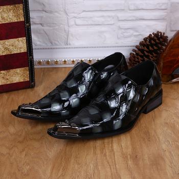 2015 новая парикмахерская обуви из натуральной кожи острым носом деловых туфли мужчины мода ну вечеринку шипы металлический наконечник мужская обувь