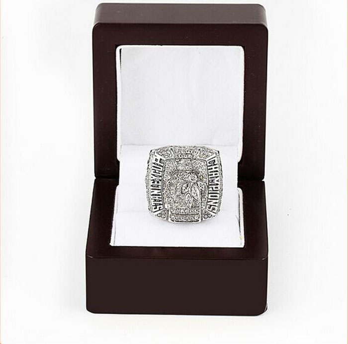 Wholesale 2010 Chicago Blackhawks Replica Hockey Copper High Quality silver plated Championship Rings with Gorgeous Wooden Boxes<br><br>Aliexpress