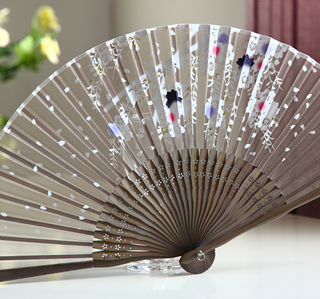 [ My Soul ] Japanese folding fan kimono Japanese bamboo handle folding fan silk camel falling Sakula(China (Mainland))