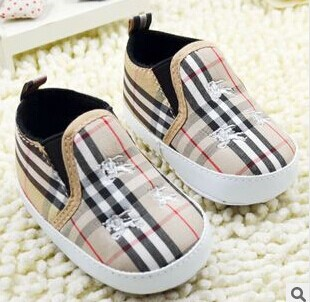 Toddlers 2015 Baby Shoes First Walkers New Plaid Lazy Shoes Boys Girls Shoes Baby Leather Moccasins(China (Mainland))