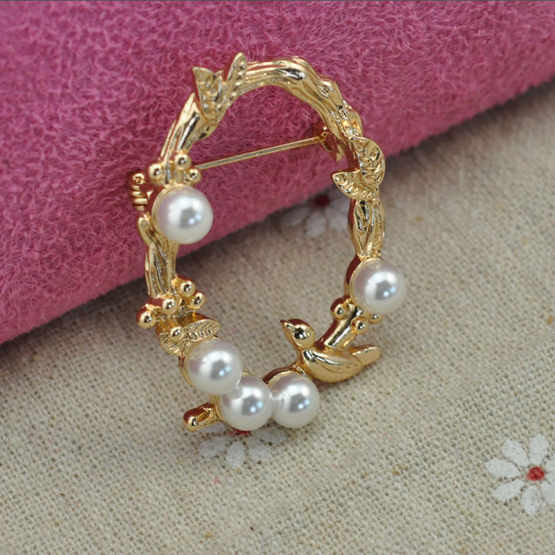 Fashion Jewelry Vintage Golden Broches Imitation Pearls Brooches Wedding Party Female Suit Dress Brooch Women & Men Long Pin(China (Mainland))