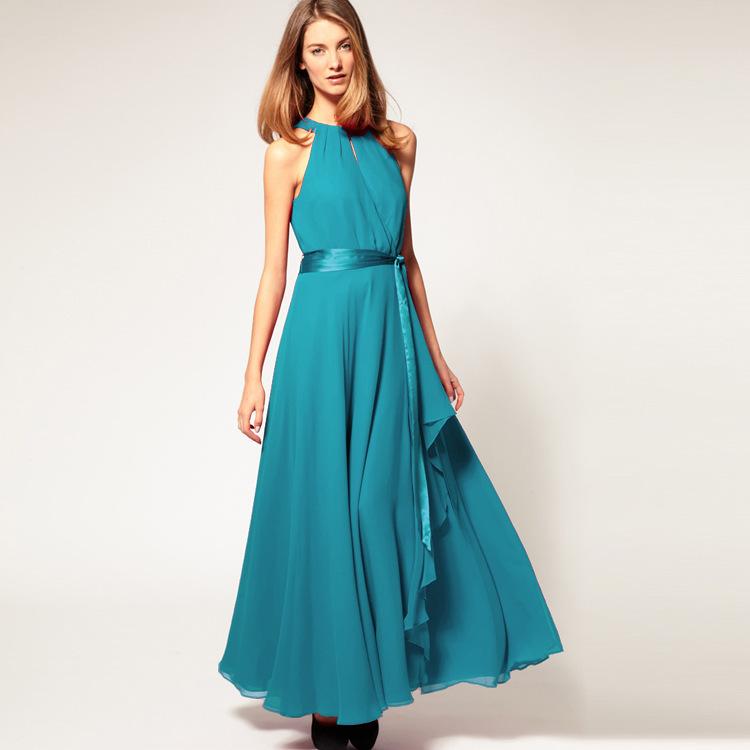 Evening dresses photo: Designer evening dresses for larger ladies