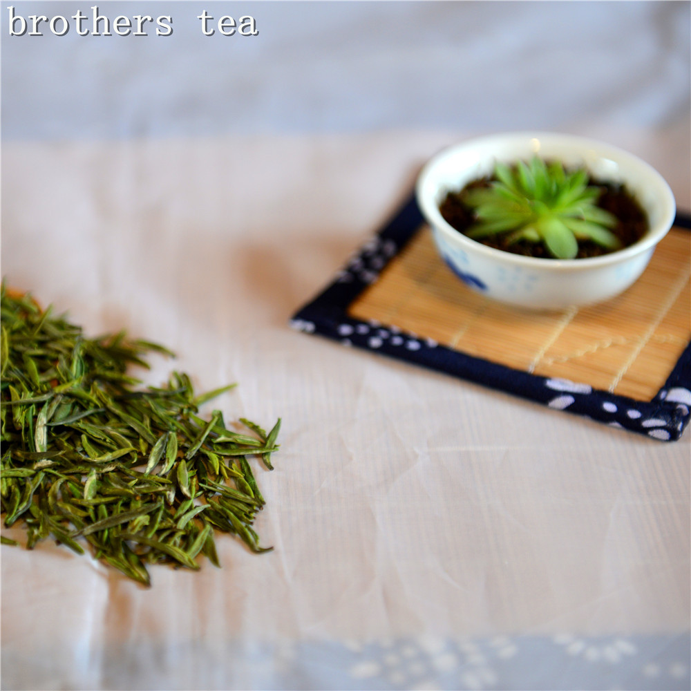 2015 250g Selenium-enriching Special Grade Yin Zhen  Green Tea, Ziyang County, Ankang City, China  Reduce weight   Anticancer  <br><br>Aliexpress