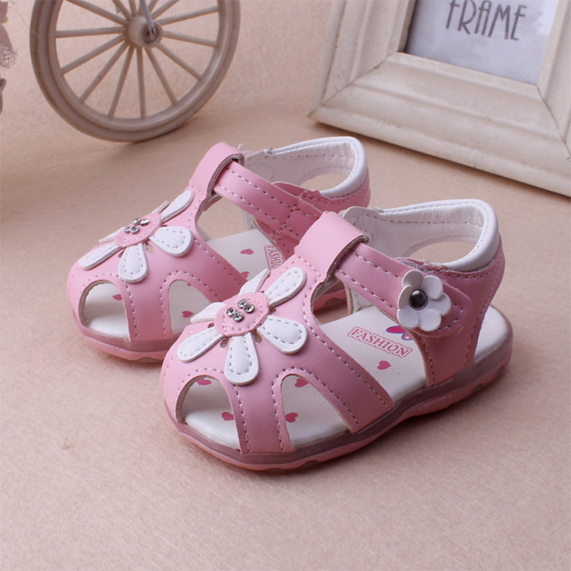 Light Cute Baby Girls Soft Sole Sandals Leather Flowers Toddler shoes The 2016 Summer Fashion Comfortable Infant shoes On Sale(China (Mainland))