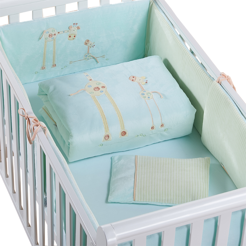 Здесь можно купить  Promotion! Baby Bedding Set Cot Crib Bedding Set for girls boys cuna Quilt baby bed bumper,(bumper+sheet+pillow+duvet) 2 size  Детские товары
