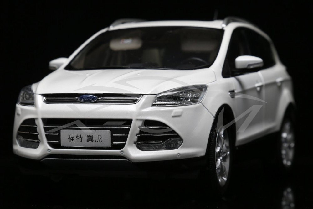 Diecast Car Model Ford All New Kuga 2015 1:18 (White) + SMALL GIFT!!!!!!!!!(China (Mainland))