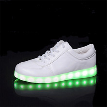 Top Luminous Shoes LED Men& Women Couple Shoes Fashion Light Up for adults Big Size34-44 Chaussure Glowing Free Shipping