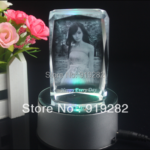 Free shipping Customised Laser engraved personal picture crysal gift with LED rotating light base crystal souvenior(China (Mainland))