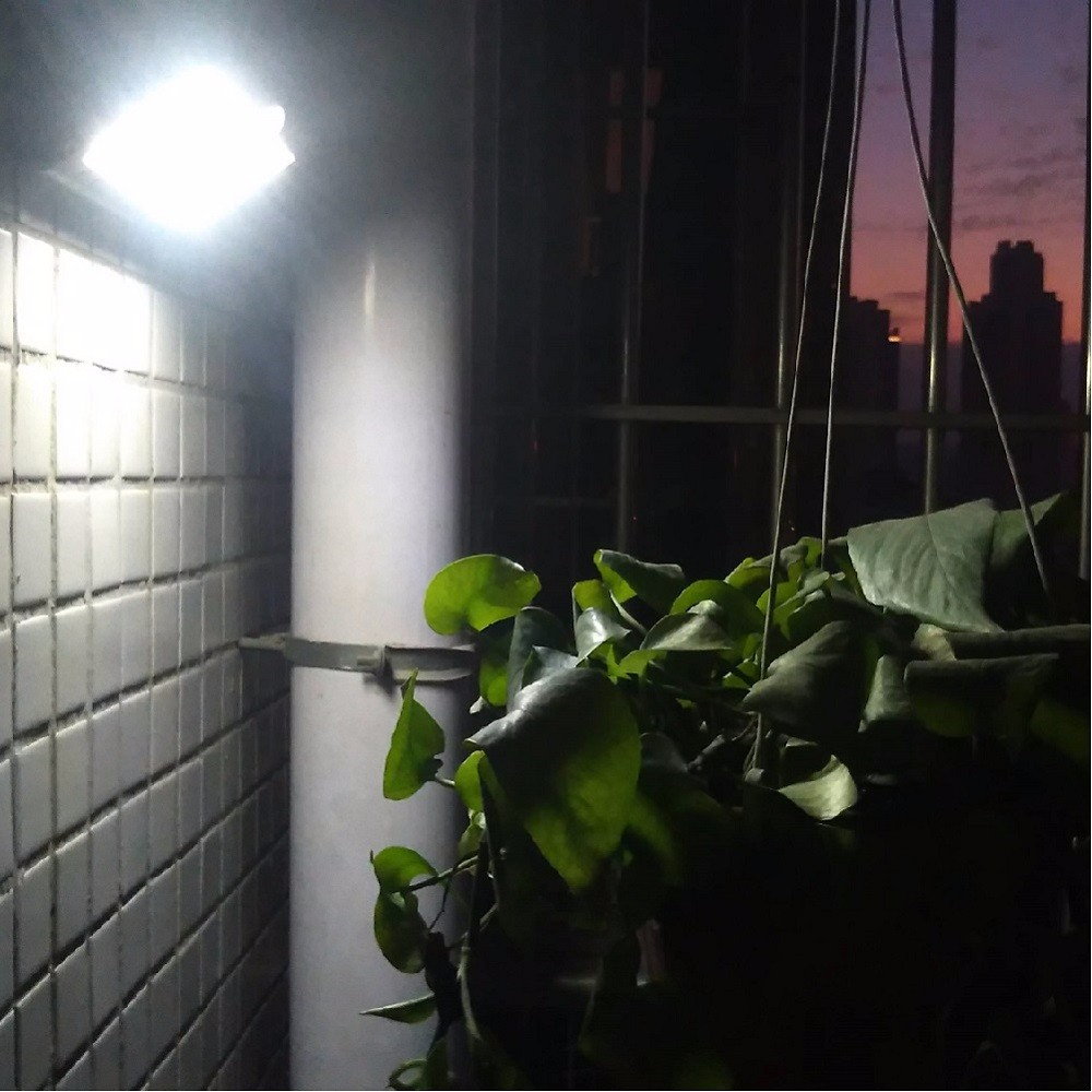 Wireless Solar Wall Light Outdoor Lighting Landscape Lamps Garden Path Spot Wall Emergency Lamp 6 Modes with  Remote Control