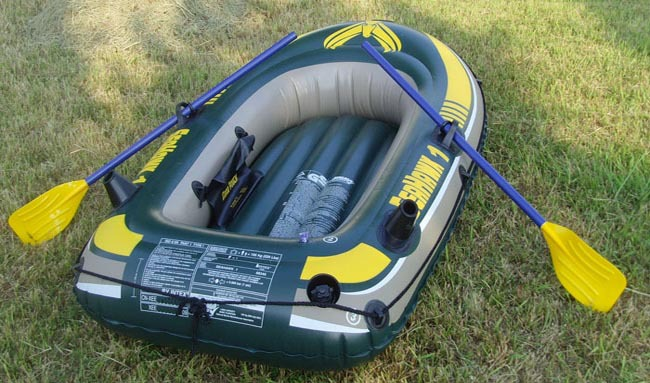 INTEX Seahawk single person small inflatable boat 193*108*38cm fishig boat 68345 3 air chamber, including oars, inflation pump(China (Mainland))