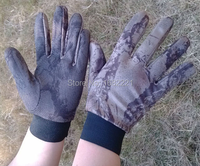 Close fitting gloves lightweight non-slip dot camo tactical gloves free size(China (Mainland))