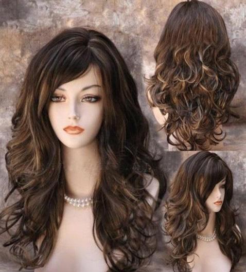 Фото стрижки с челкой для вьющихся длинных волос