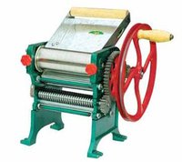 Manual Noodle Making Machine ,bearing style pasta maker machine,two blades attachemnt(3mm,6mm),dough roller