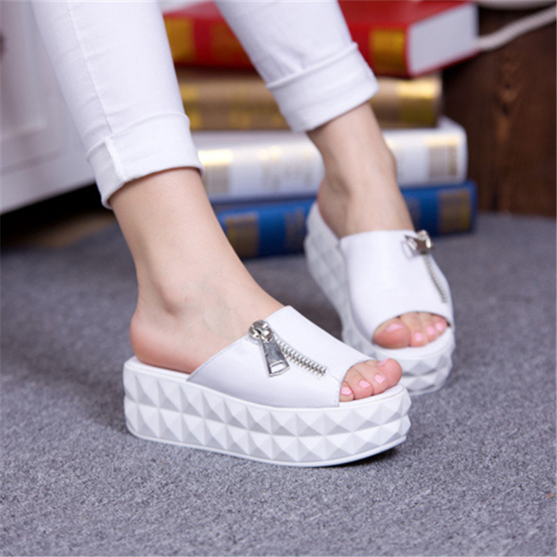 2015 summer new muffin platform shoes casual flat sandals and slippers stylish zipper wild female black and white sandals<br><br>Aliexpress