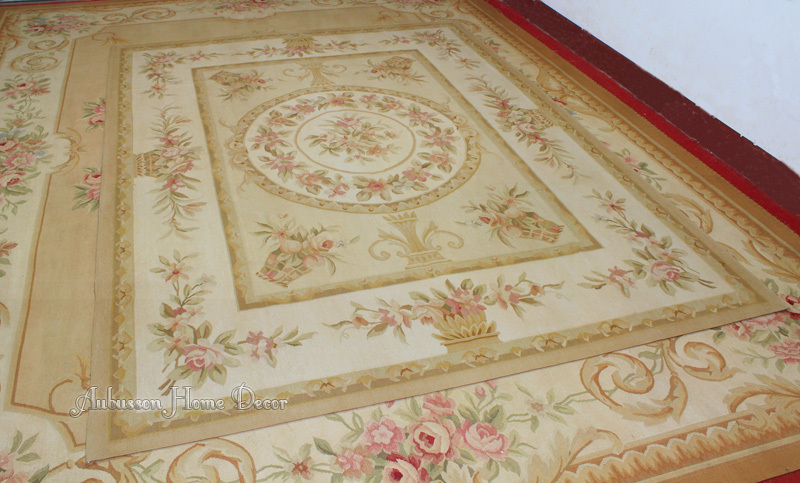 French provincial rugs roselawnlutheran for Tapis shabby chic