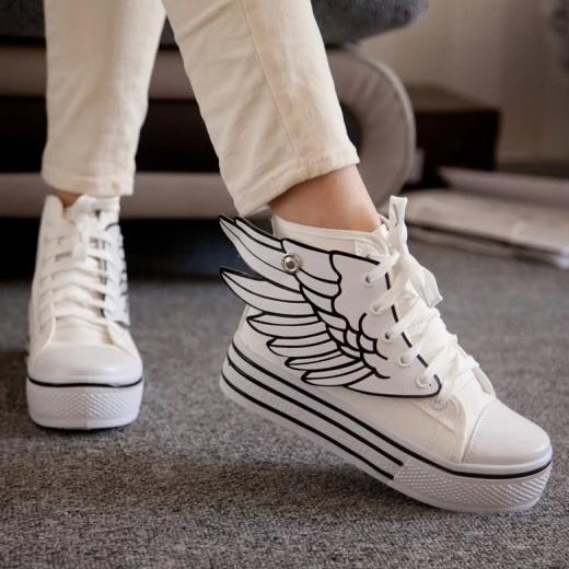 Женские кросовки на высокой подошве