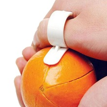 1 Pieces 2015 Hot Creative Kitchen Gadgets Cooking Tools Peeler Parer Finger Type Cleverly Open Orange Peel Orange Device(China (Mainland))