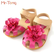 2015 New Arrival Summer Cool Baby Girls Sandals Shoes Skidproof Toddlers Infant Children Kids Flower Shoes PU Leather Size 21-30(China (Mainland))