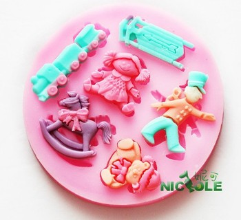 2015 New DIY Trojan train doll silicone molds for cake decorating jelly dessert soap cake sugar chocolate mold fondant tools