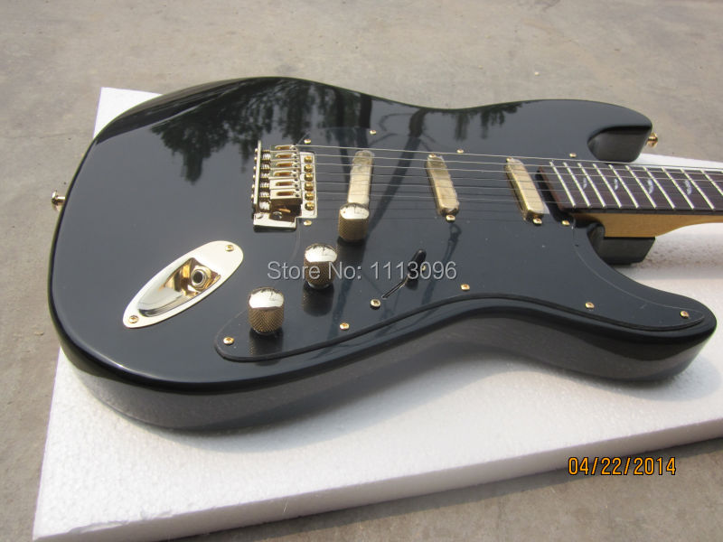 Free shippingelectric guitar with Gold Accessories/electric guitar black color/guitar in china(China (Mainland))
