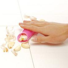 Topnew DIY Kitchen Gadgets Silicone Garlic Squeeze Tools Garlic Peeling Machine (China (Mainland))