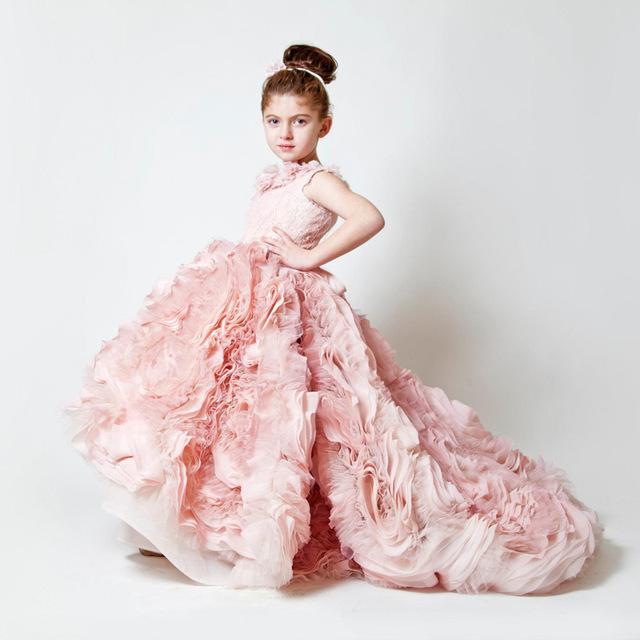 Новый Платье daminha 2016 Роскошный Розовый Империя Цветы Многоуровневое Тюль Цветок Девочки Платья Принцесса Без Рукавов Pageant Платья Девушки