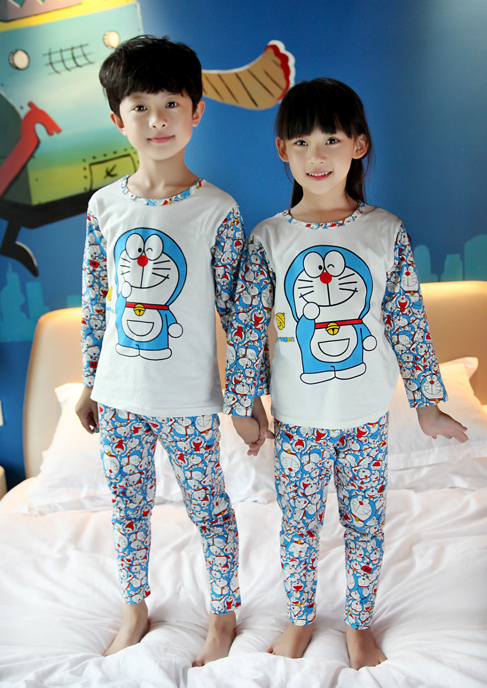 2015 100% Cotton Autumn Children Pajamas Cute pajamas for Kid Children Sleepwear Long Sleeve Size 2T to 8T(China (Mainland))