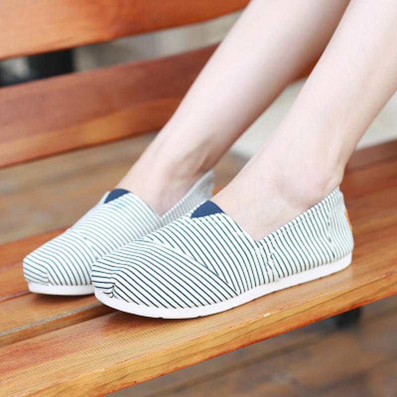 Cute ladies shoes flats canvas soft outdoor sport running hiking women loafers breathable slip-on shoes for lovers large size<br><br>Aliexpress