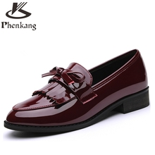 Patent leather 2017 sping women flat shoes single British loafers round shallow black red tassel casual shoes us size 8(China (Mainland))