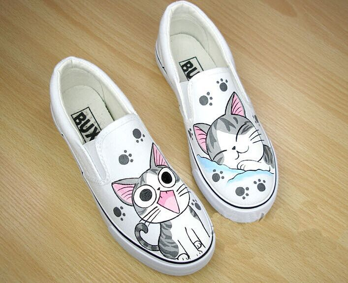 Foot wrapping womens canvas shoes personalized hand-painted shoes girl bear flat grey low graffiti shoes comfortable cow muscle<br><br>Aliexpress