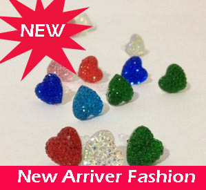 Hot Sell Phone Accessories 3.5mm cute Red Green Crystal Heart Dust Plug For iphone 4 4S 3.5mm Samsung Fashion(China (Mainland))