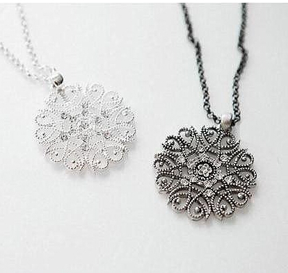 Bohemian Circle Hollow Filigree Black Flower Pendant Necklaces,Fashion Silver Plated Link Chain Necklace Jewelry Cheap Wholesale(China (Mainland))