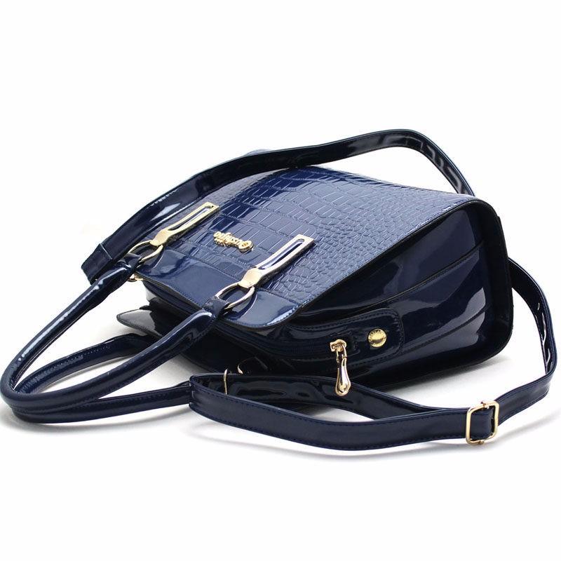 Stylish Patent Leather Women Hand Bag Luxury Crocodile Print PU Handbag Ladies Classy Fashion Crossbody Bag Elegant Shoulder Bag