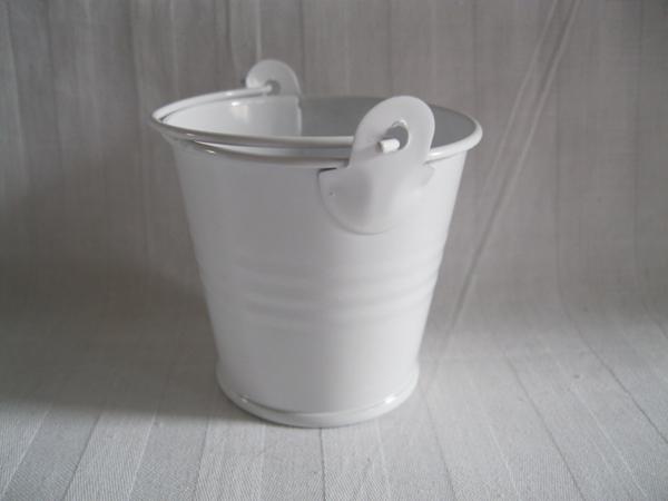 20pcs lot d5 5 h5cm white cheap metal buckets wedding buckets small pails flower pot for wedding. Black Bedroom Furniture Sets. Home Design Ideas