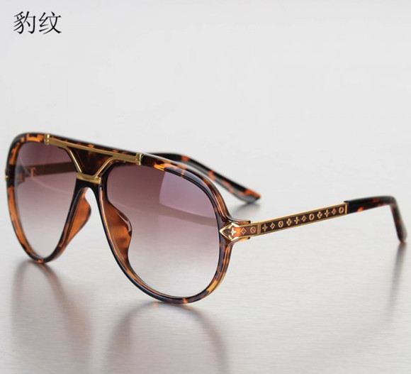 Brand New leopard print High-end craft carving frame Unisex Fashion Sunglasses gradient anti-UV sunglasses free shipping