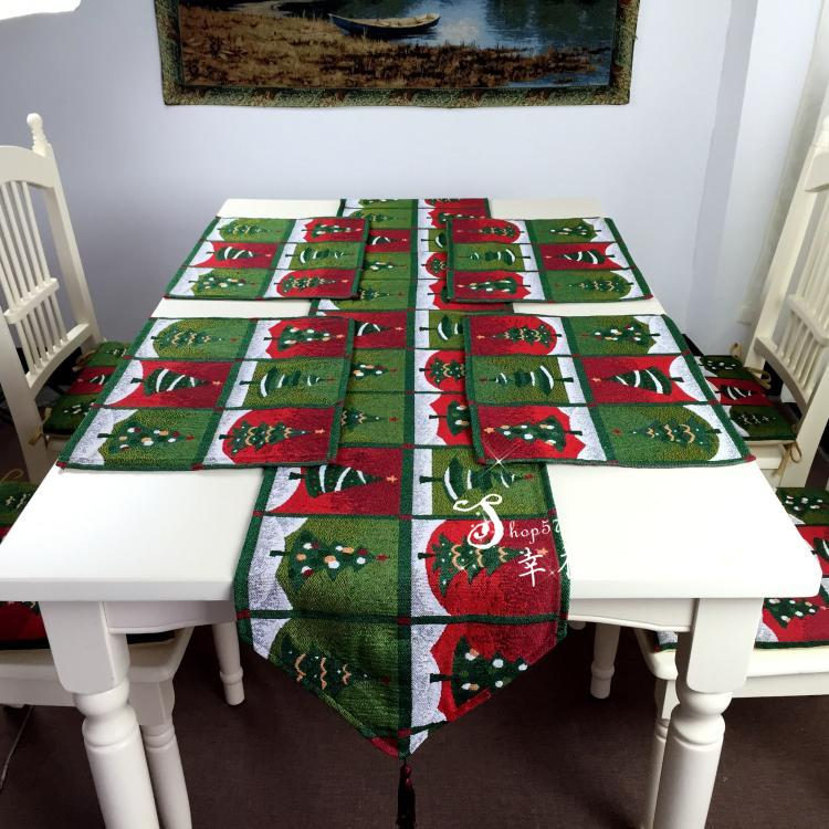 Christmas tree style tablecloths and dinner table pad - Table gifts for christmas ...