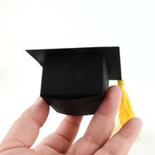 50 Uds. Sombrero con corte láser para boda cajas de caramelos Cajas de Regalo de papel para regalo de graduación Europea promoción celebración fiesta Decoración(China)