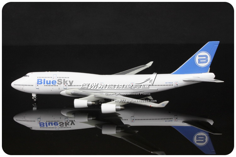 17.5cm 1:400 Alloy Air BlueSky Blue Sky Airlines Boeing B747 422 N176UA Airways Plane Model Airplane Model Toy Decoration Gift(China (Mainland))