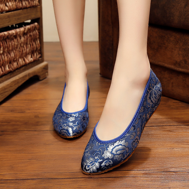 Women Casual Shoes Jacquard brocade surface pointed shoes Cow Muscle Slip-On Shoes Wholesale Women shoes(China (Mainland))